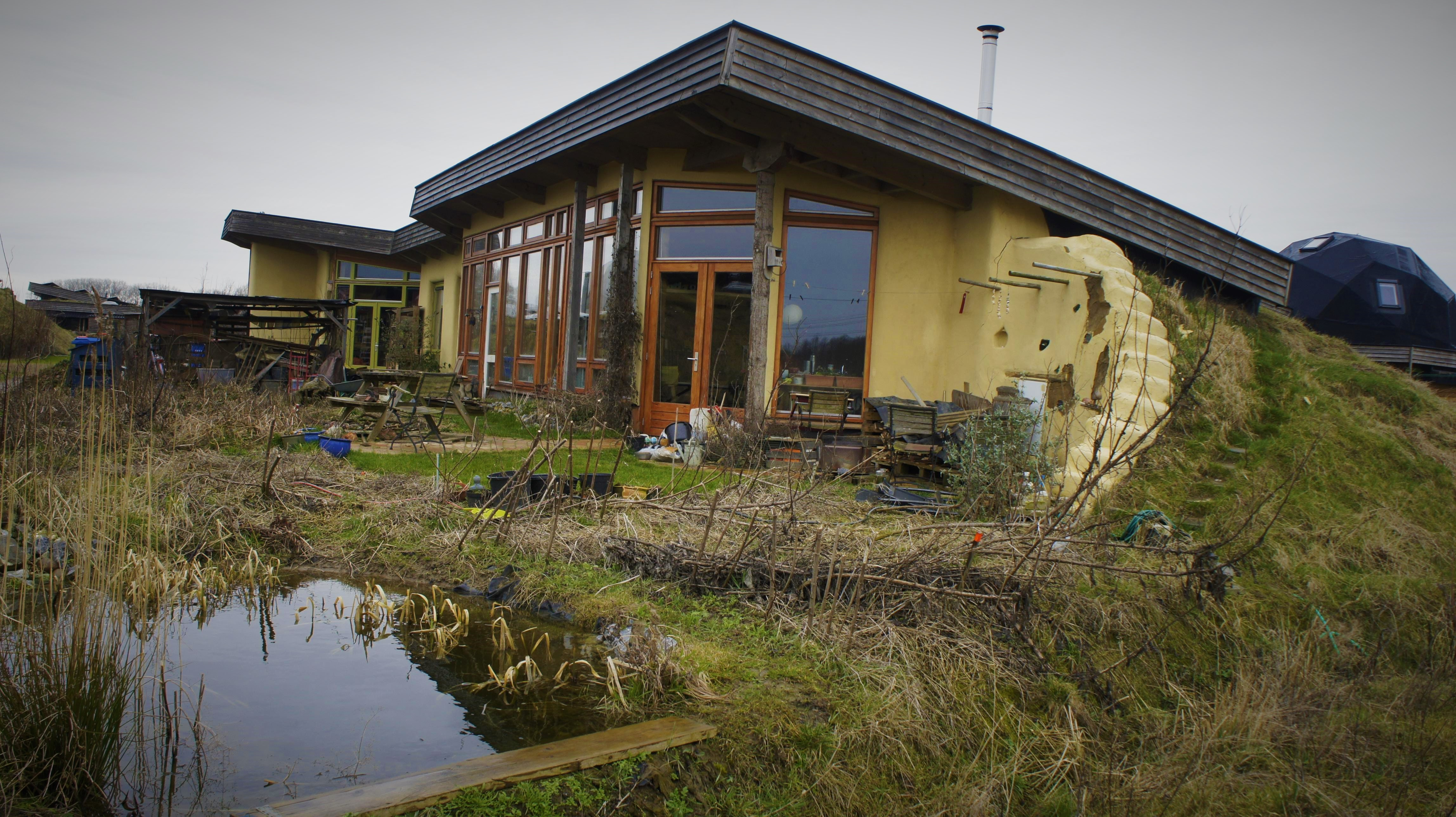 Aardhuis – Earthship concept, build your own house easily! #1