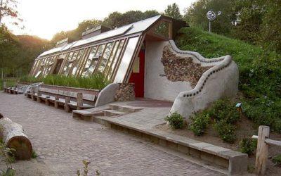 Aardhuis Earthship – A self-build ecological house